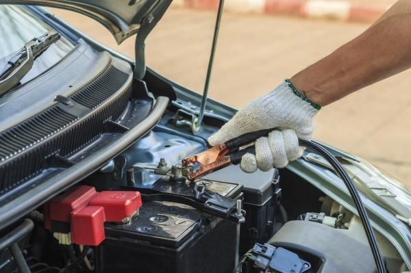 How to start a car without a battery